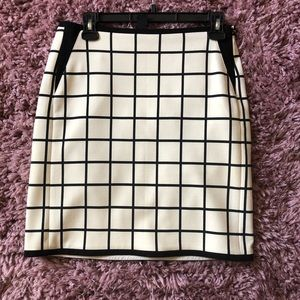 Ann Taylor lined skirt size 2